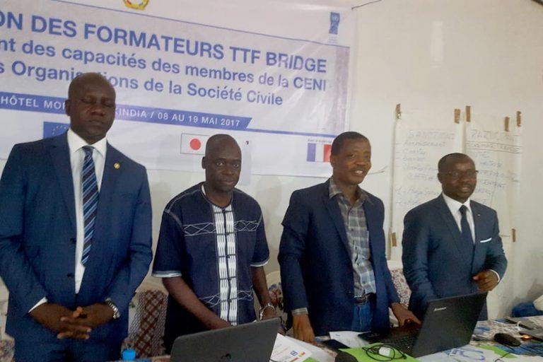 eu-undp-jtf-guinea-news-le-paceg-initie-une-formation-des-formateurs-bridge