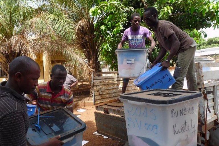 eu-undp-jtf-guinea-news-le-pnud-accompagne-la-ceni-pour-le-ramassage-et-l-inventaire-des-materiels-electoraux